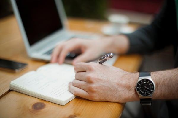 Usar la tecnología para mejorar los procesos administrativos y financieros de la empresa